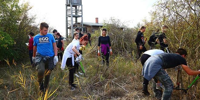 Na Vranskom jezeru održana akcija krčenja vegetacije s ciljem očuvanja vlažnih livada