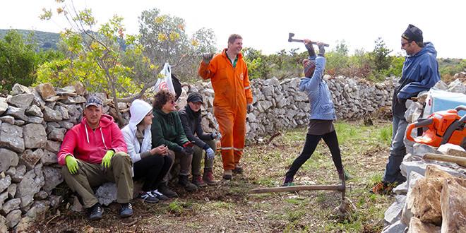 Volonter po prirodi – otvorene prijave za volonterski program suhozidar/ka!