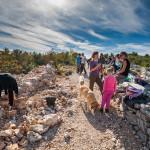 volonteri-suhozidari-stizu-u-park-prirode-vransko-jezero-01