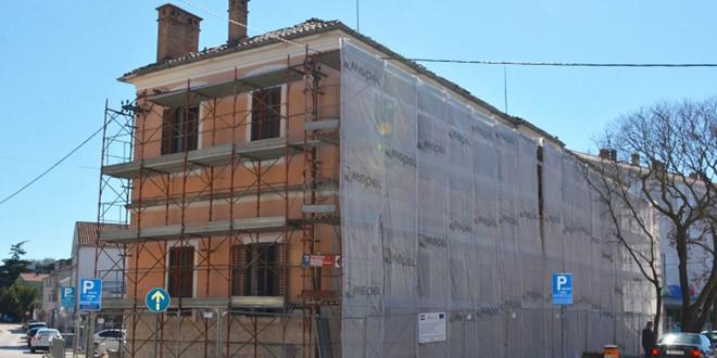 Zahuktali radovi na budućem centru za aktivni turizam u zaštićenim područjima Sjeverne Dalmacije i Južne Like